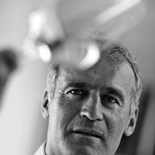 files/images/winemakers/italy/cantina-tramin/Willi Sturtz winemaker Cantina Tramin 2 BW.jpg